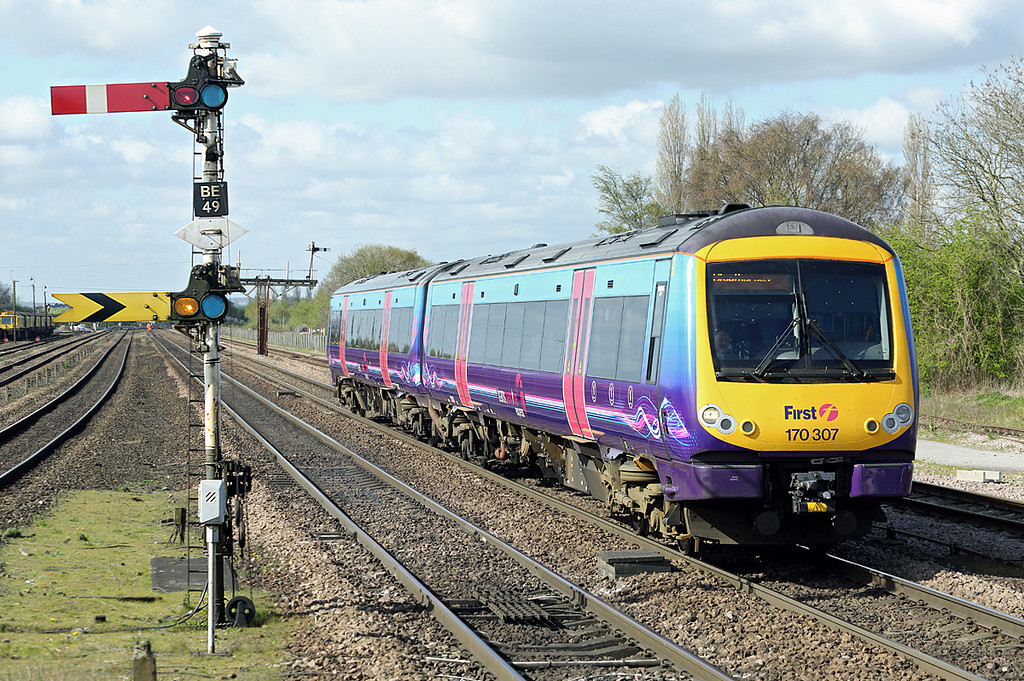 170307 Barnetby 14/4/2014<br /> 1B68 0753 Manchester Airport-Cleethorpes