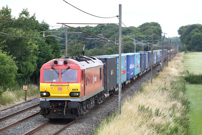 92016 Brock 14/7/2014<br /> 4M41 0605 Mossend Yard-Daventry