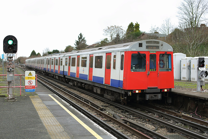 District Line 7059, Hornchurch 15/1/2014