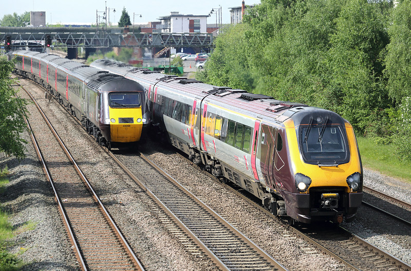 221128 and 43378, Burton-upon-Trent 15/5/2014<br /> 221128: 1S39 0625 Plymouth-Glasgow Central<br /> 43378: 1V50 0606 Edinburgh-Plymouth