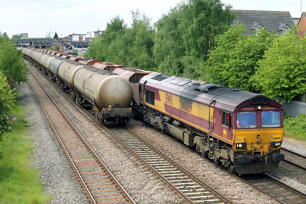 66089 Burton-upon-Trent 15/5/2014<br /> 6M11 0959 Washwood Heath-Peak Forest