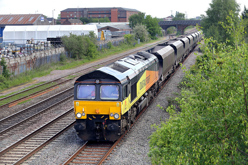 66848 Burton-upon-Trent 15/5/2014<br /> 4V30 0820 Ratcliffe PS-Avonmouth