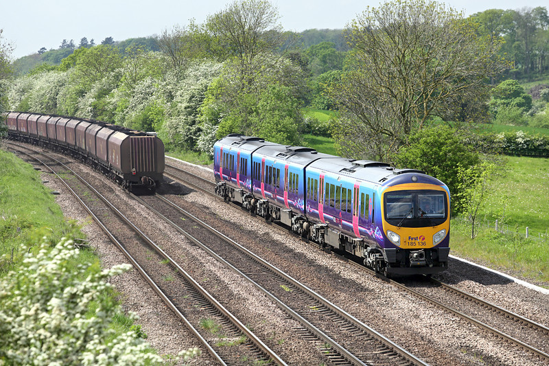 185136 Melton Ross 16/5/2014<br /> 1B74 1055 Manchester Airport-Cleethorpes