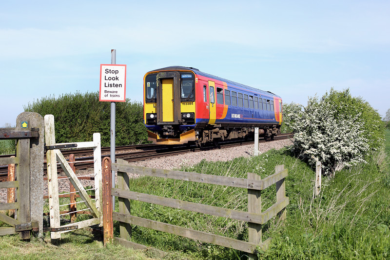 153384 North Kelsey Moor 16/5/2014<br /> 2T30 0920 Grimsby Town-Newark Northgate