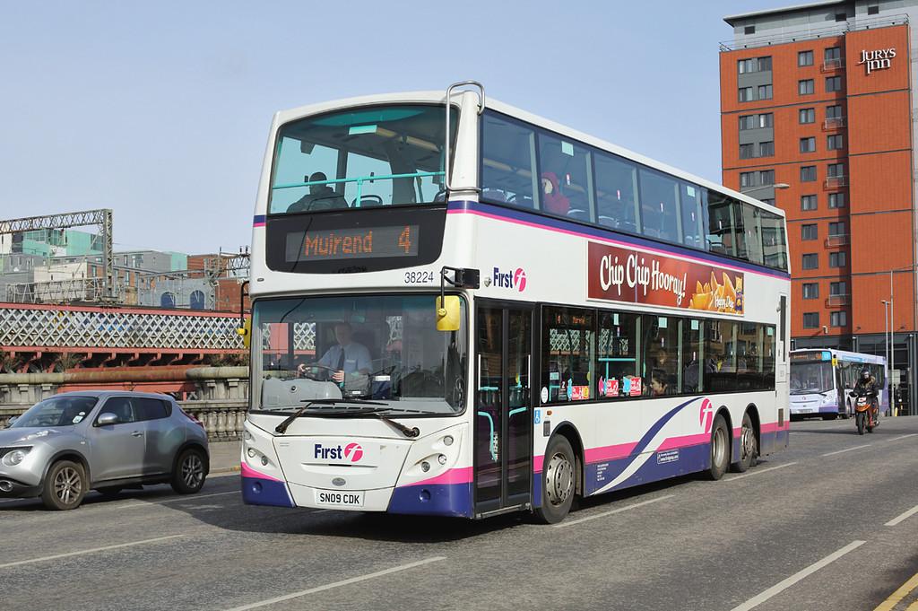 38224 SN09CDK, Glasgow 19/3/2014