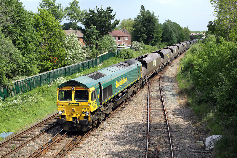 66547 Lostock Hall Junction 19/5/2014<br /> 4S42 1109 Hunslet Yard-Hunterston