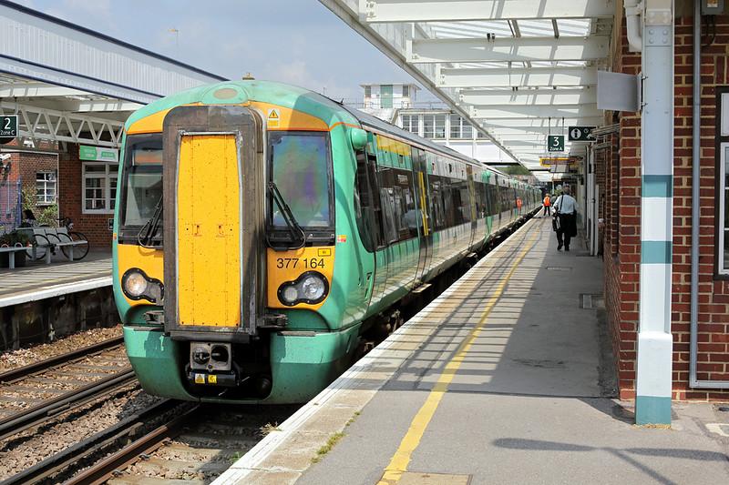 377164 Horsham 21/7/2014<br /> 1J70 1232 London Victoria-Southampton Central