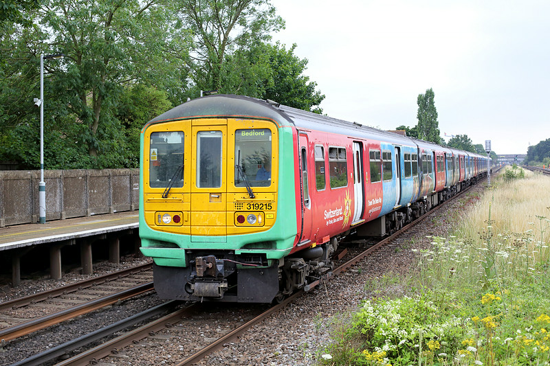 319215 and 319446, Horley 21/7/2014<br /> 2T28 1037 Brighton-Bedford