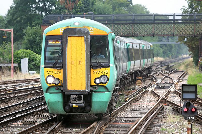 377475 Redhill 21/7/2014<br /> 2B35 0945 London Bridge-Tonbridge
