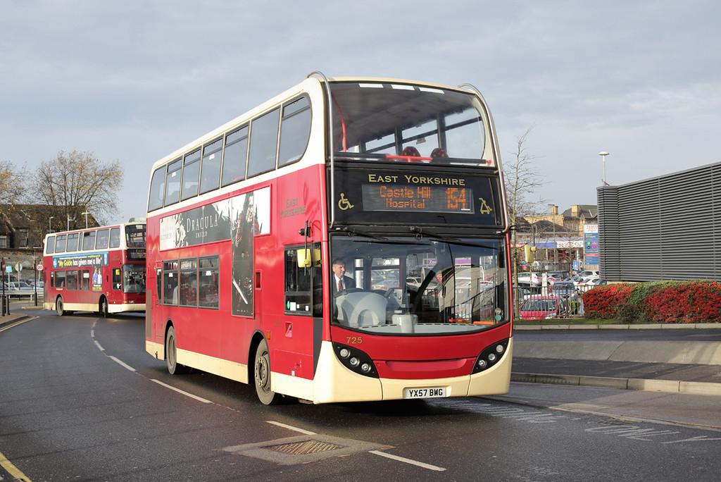 725 YX57BWG, Hull 24/11/2014