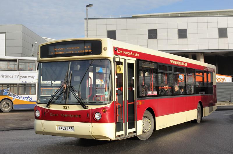 327 YX02LFS, Hull 24/11/2014