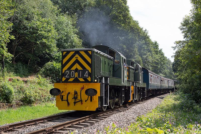 D9520 and D9555, Summerseat 26/7/2014<br /> 1J71 1245 Heywood-Rawtenstall