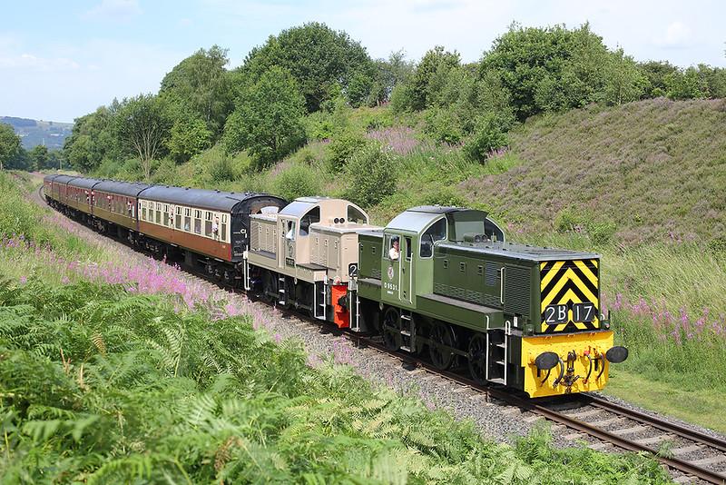 D9531 and D9537, Burrs 26/7/2014<br /> 1J68 1216 Rawtenstall-Heywood