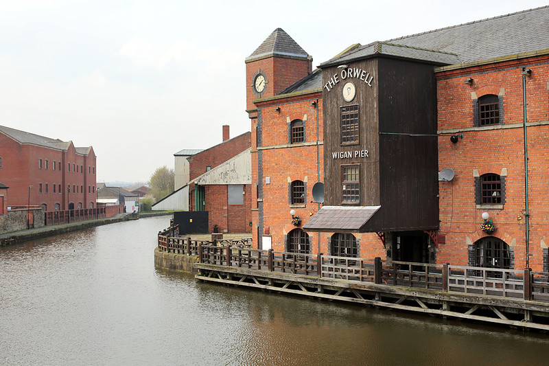 Leeds Liverpool Canal at Wigan Pier, 28/3/2014