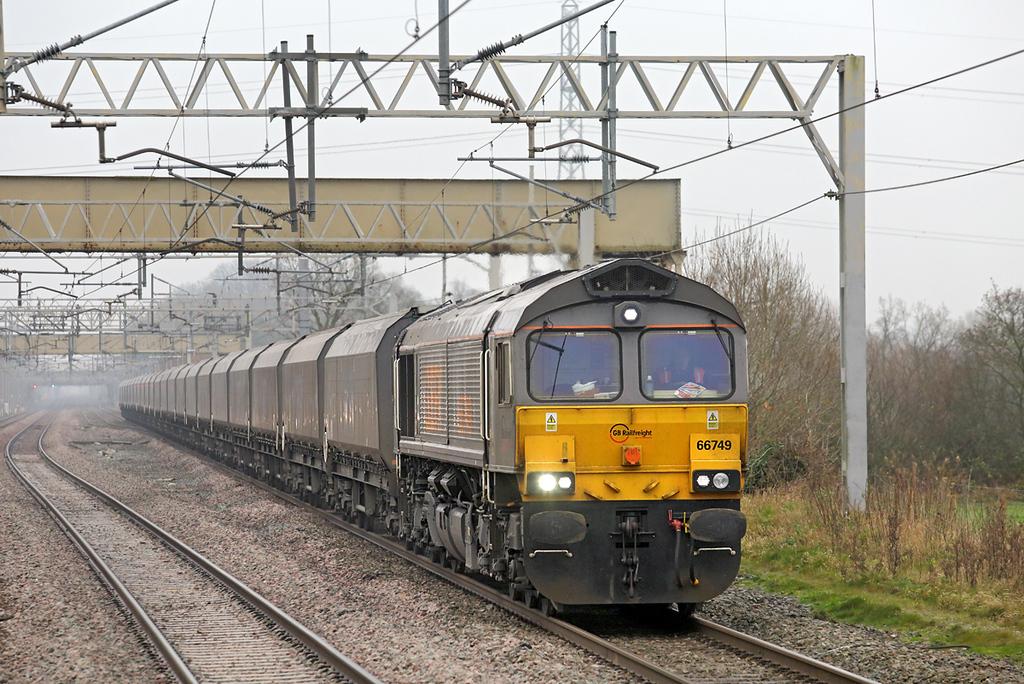 66749 Acton Bridge 28/11/2014<br /> 4F68 0900 Ironbridge PS-Liverpool Bulk Terminal