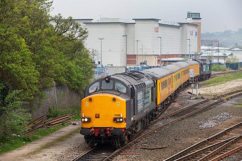 37609 and 37612, Blackburn 29/4/2014<br /> 1Q13 1118 Carlisle-Carlisle Kingmoor (via Blackburn)