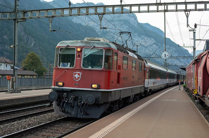 11124 Erstfeld 29/9/2014<br /> IR2121 1604 Basel SBB-Locarno