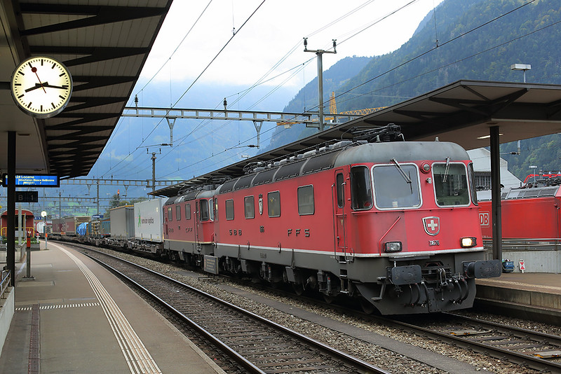 11676 and 11322, Erstfeld 30/9/2014