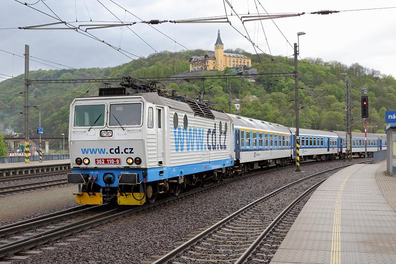 362110 Ústí nad Lábem hlavní nádraží 1/5/2015<br /> R605 0618 Cheb-Praha hl.n