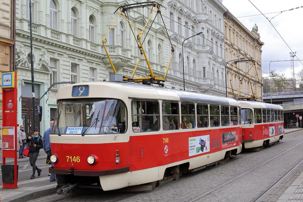 7146 and 7167, Hlavní Nádraží 1/5/2015