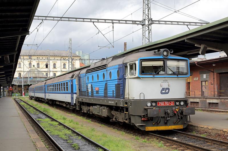 750707 Praha Masarykovo nádraží 1/5/2015<br /> R1228 1302 Praha Masarykovo nádraží-Rakovnik