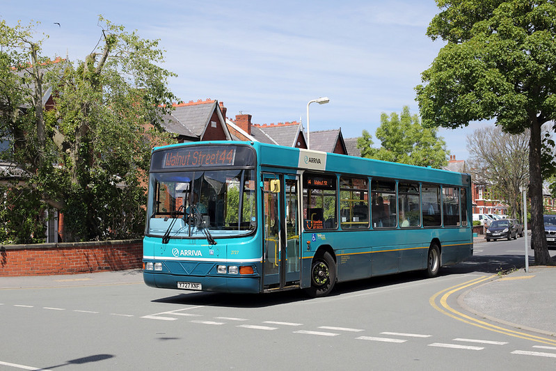 2727 Y727KNF, Southport 4/6/2015