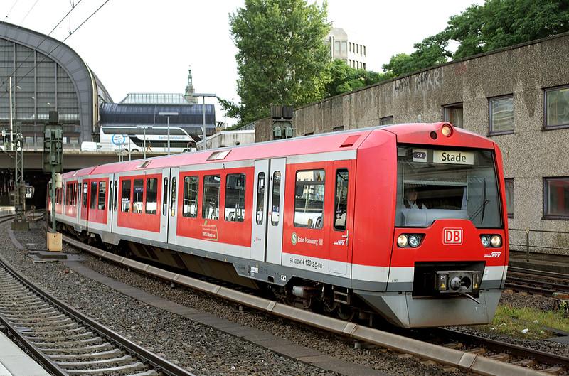 474130 Hamburg Hbf 13/7/2015<br /> S3 0730 Pinneberg-Stade