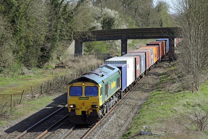 66534 Kings Sutton 14/4/2015<br /> 4M61 1254 Southampton MT-Trafford Park FLT