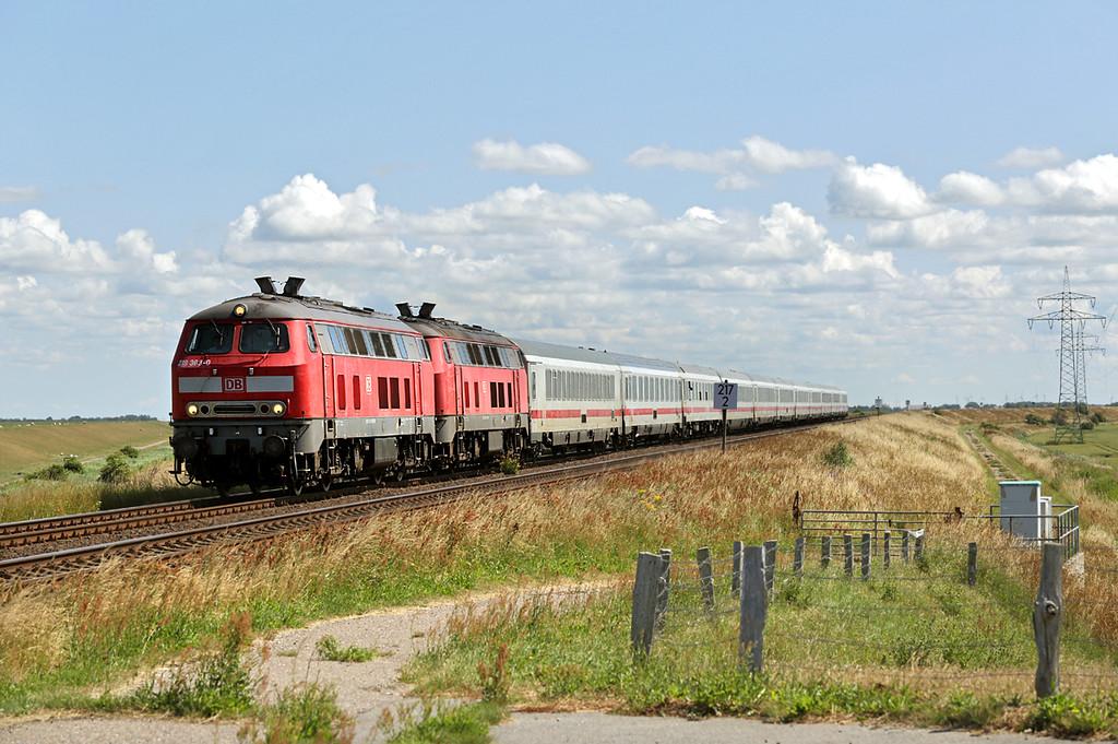 218363 and 218379, Hindenburgdamm 14/7/2015<br /> IC2314 0510 Köln Hbf-Westerland