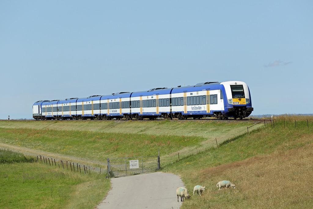 DE2000-02 (on rear), Hindenburgdamm 14/7/2015<br /> NOB81719 1222 Westerland-Hamburg Altona