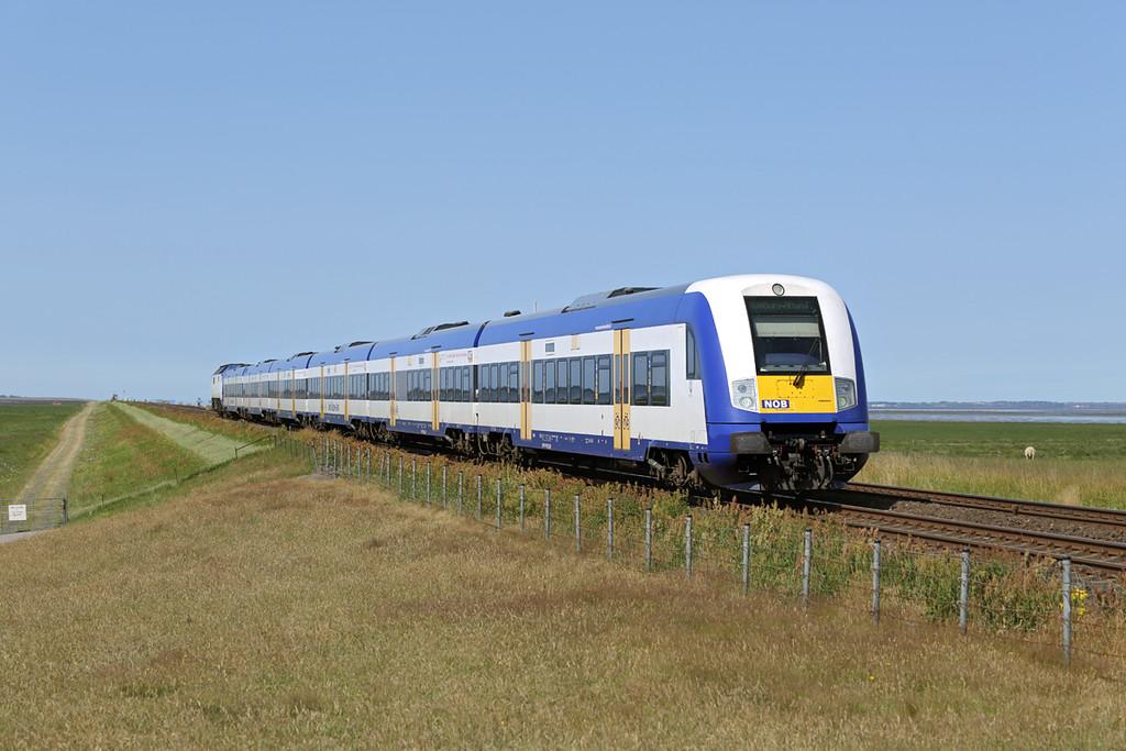DE2700-08 (on rear), Hindenburgdamm 14/7/2015<br /> NOB81717 1122 Westerland-Hamburg Altona