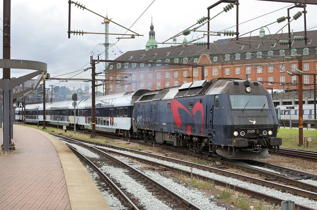 ME1529 København Hovedbanegård 19/7/2015<br /> RE57113 1242 København H-Nykøbing F St