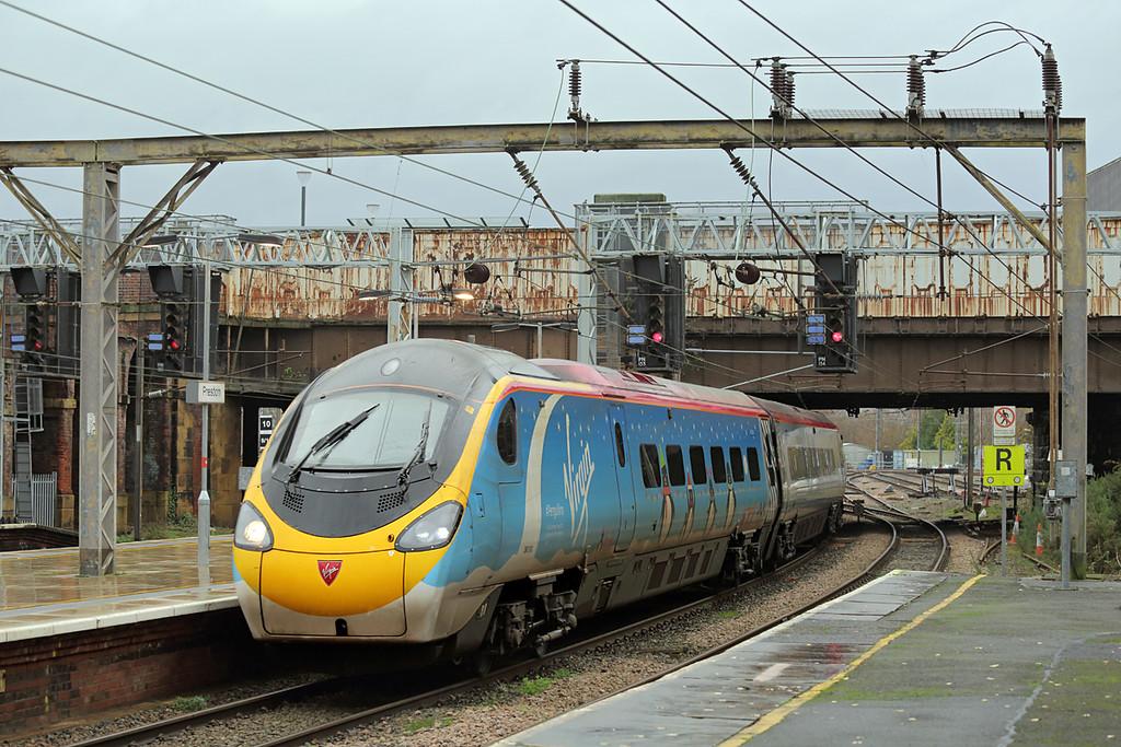 390013 Preston 19/12/2015<br /> 1M12 1140 Glasgow Central-London Euston