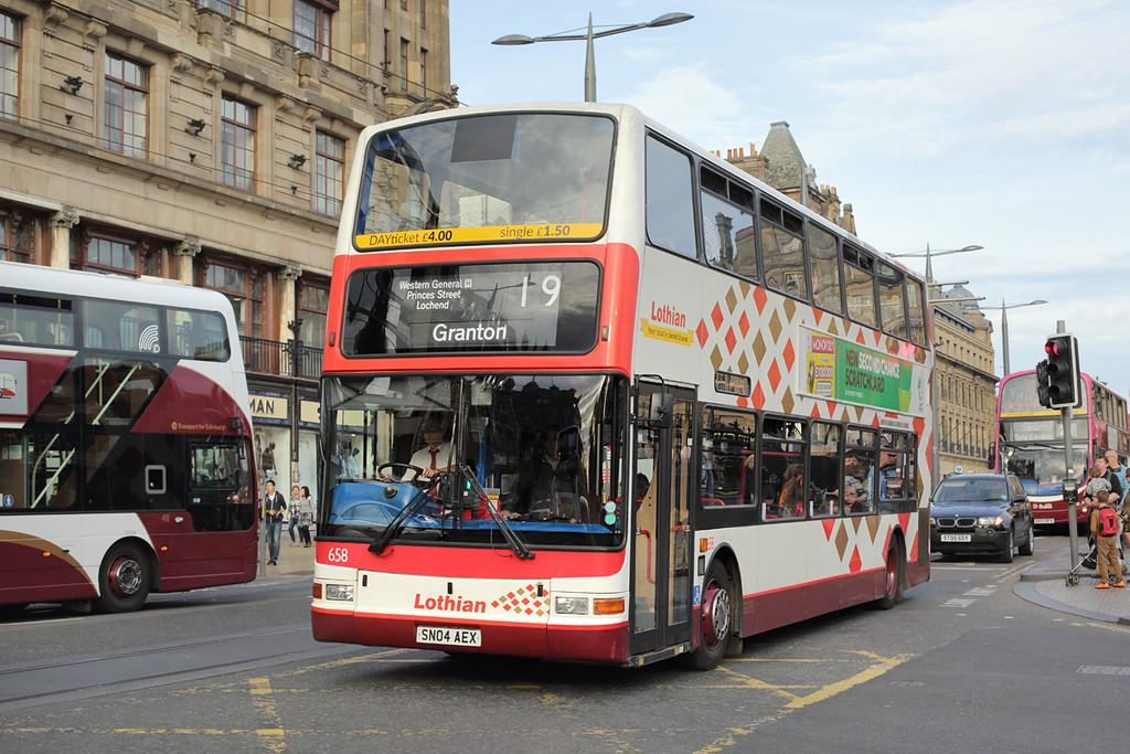 658 SN04AEX, Edinburgh 28/9/2015