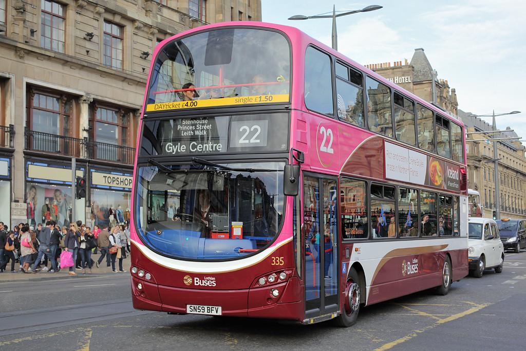 335 SN59BFV, Edinburgh 28/9/2015
