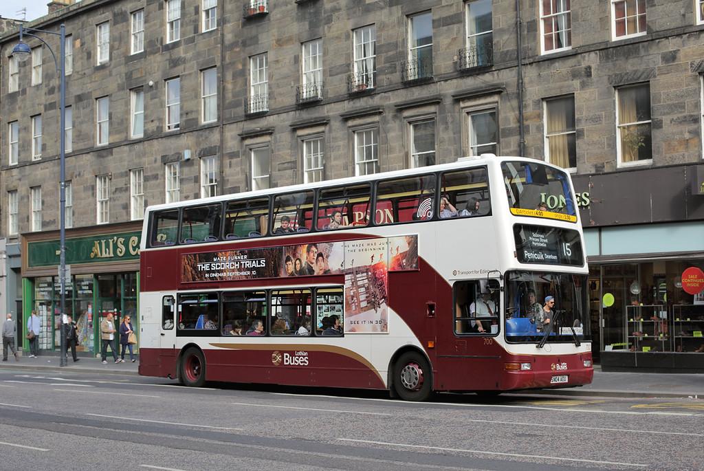 700 SN04AEU, Edinburgh 28/9/2015