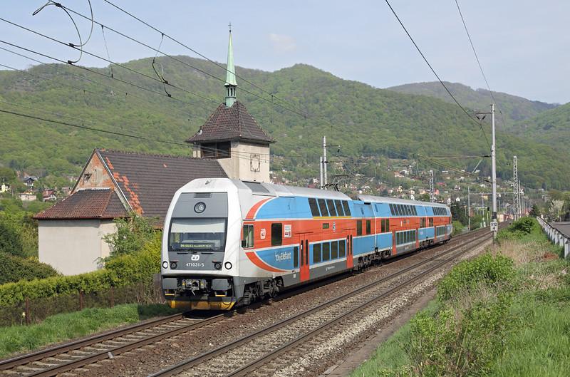 471031 Vaňov 29/4/2015<br /> Os6916 1340 Praha Masarykovo nádraží-Ústí nad Lábem hl.n