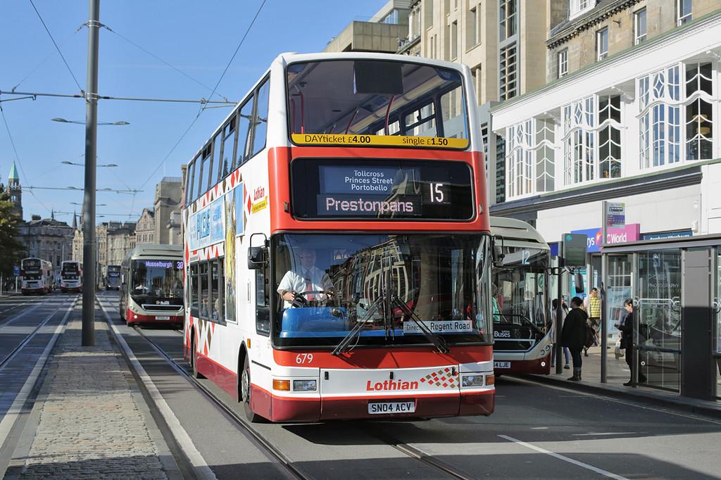 679 SN04ACV, Edinburgh 29/9/2015