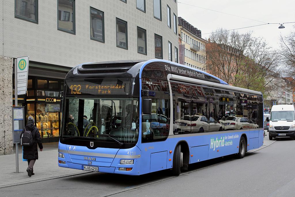 4210 M-VG 4210, Marienplatz 1/12/2016