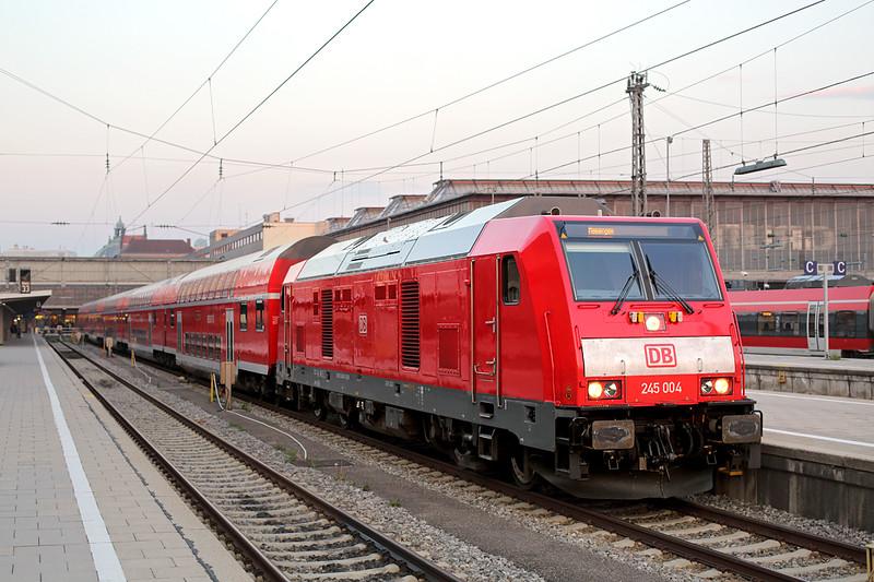 245004 München Hbf 2/5/2016<br /> RE57420 2020 München Hbf-Memmingen