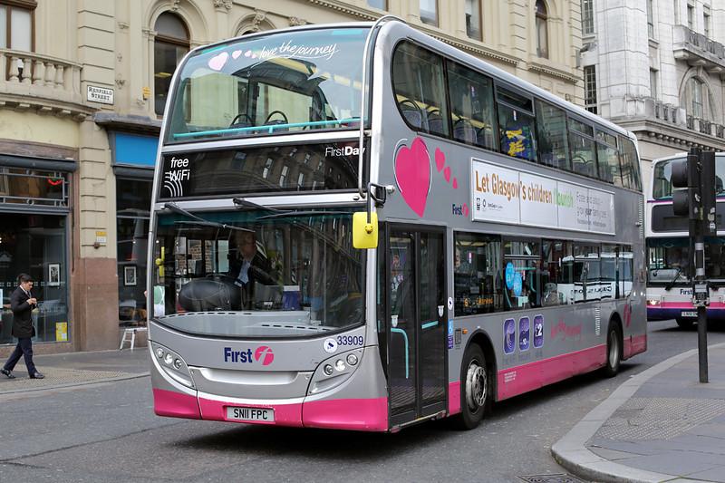 33909 SN11FPC, Glasgow 4/10/2016