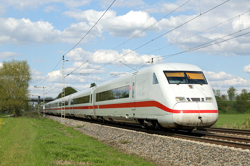 402506 Nersingen 4/5/2016<br /> ICE592 1610 München Hbf-Berlin Hbf