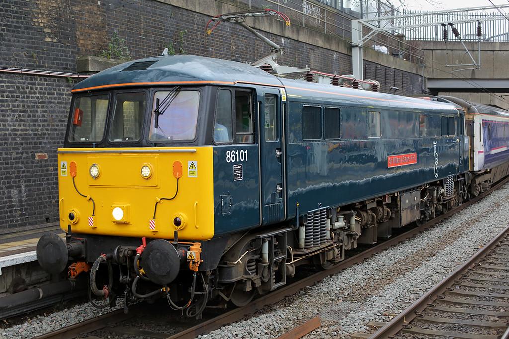 86101 London Euston 6/2/2016<br /> 5M11 0827 London Euston-Wembley IC Depot