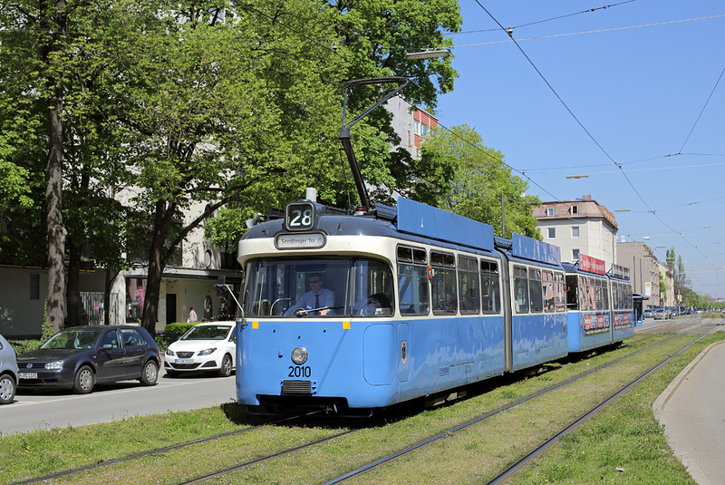 2010 and 3039, Karl Theodore Straße 6/5/2016