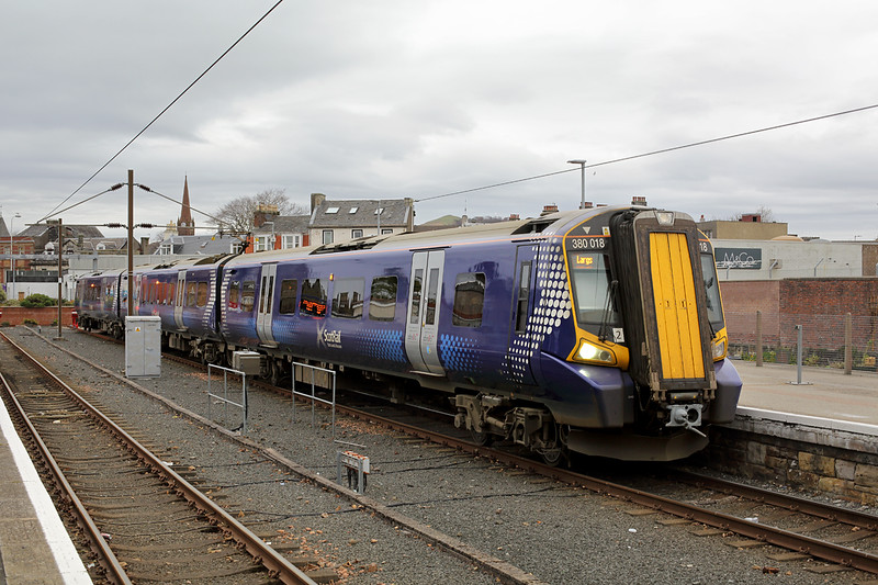 380018 Largs 8/11/2016<br /> 1T10 1053 Largs-Glasgow Central