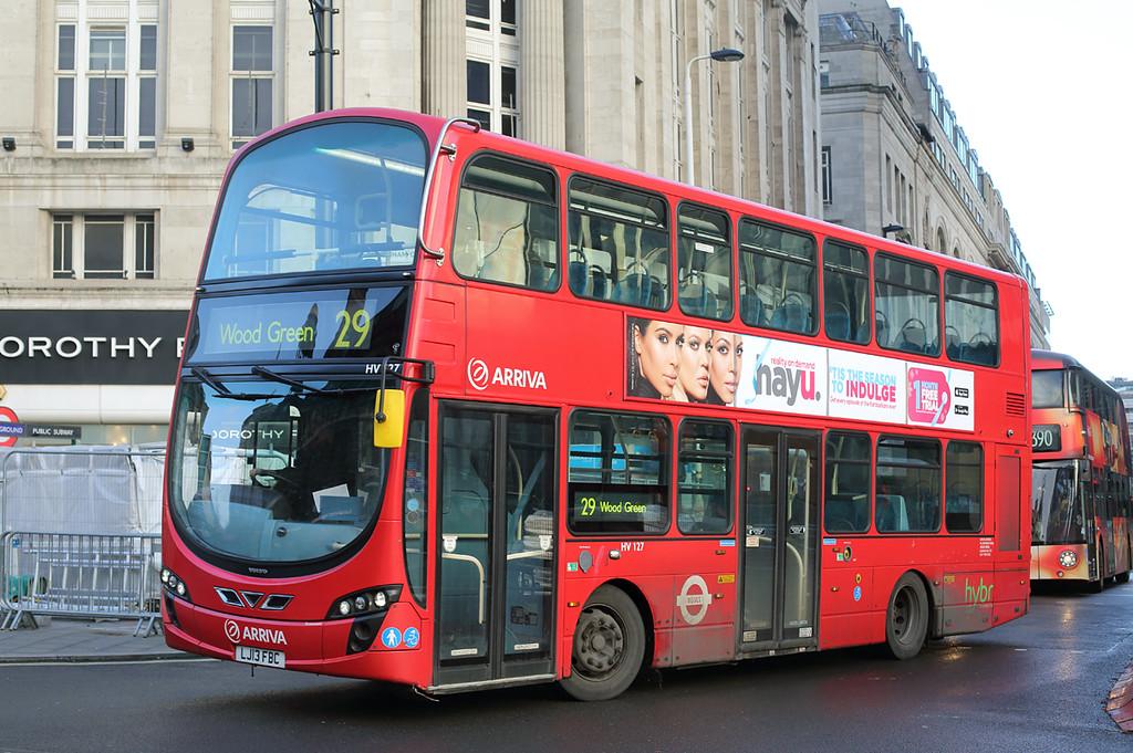 HV127 LJ13FBC, Tottenham Court Road 13/12/2016