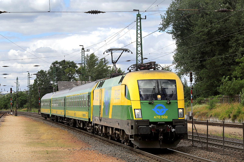 470502 Tata 14/7/2016<br /> IC933 1421 Sopron-Budapest Keleti