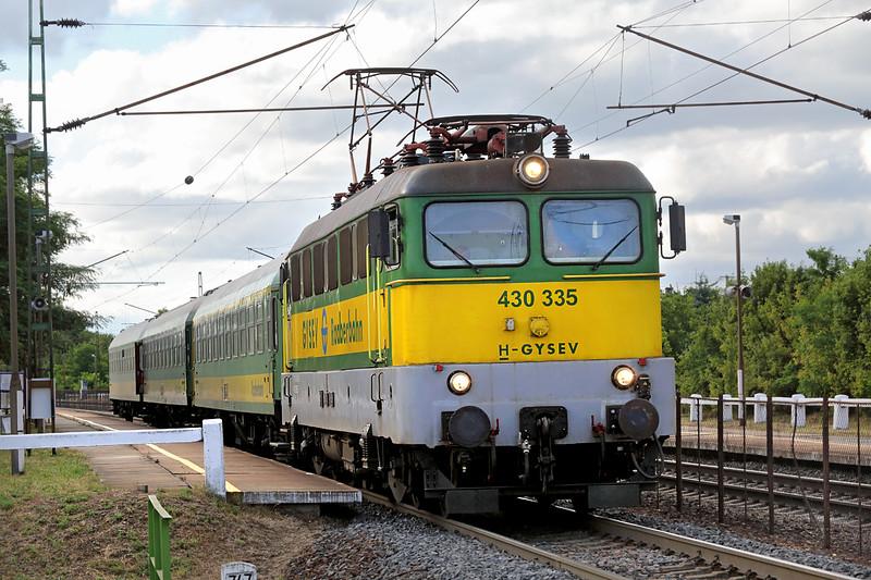 430335 Vértesszőlős 14/7/2016<br /> IC943 1621 Spron-Budapest Keleti
