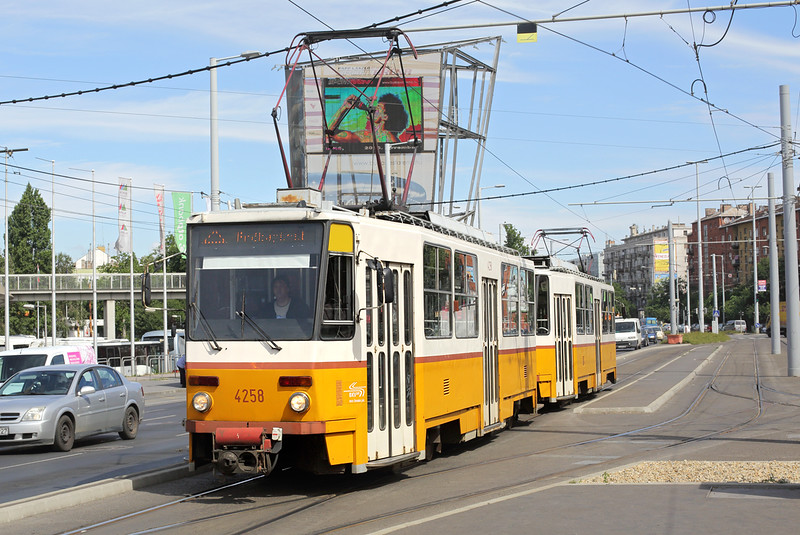 4258 and 4245, Puskás Ferenc Stadion 15/7/2016