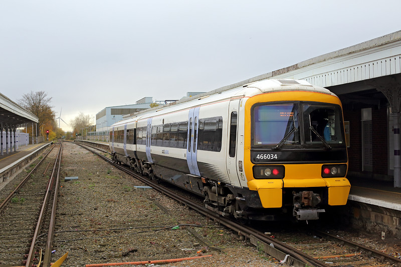 466034 Sheerness-on-Sea 18/11/2016<br /> 2D34 1251 Sheerness on Sea-Sittingbourne